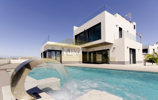 Wake up every morning with the spectacular views from our villas for sale in Orihuela Costa