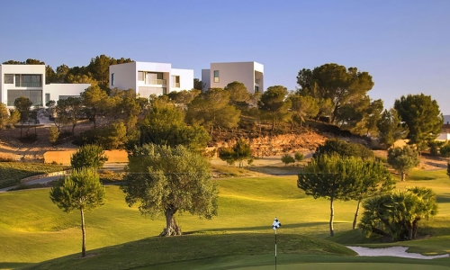 Las Colinas Golf club - property and life style