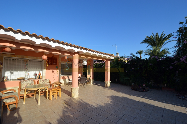 For sale a beautiful semi-detached house in Campoamor