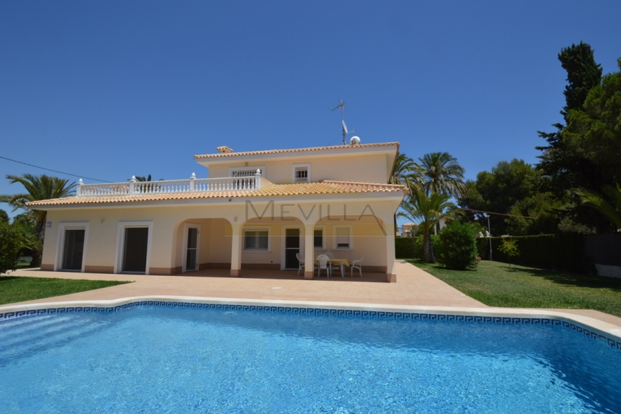 G VILLA WITH POOL ONLY 300 M FROM CABO ROIG BEACH