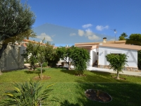 VILLA IN LA ZENIA A FEW METERS FROM THE SEA