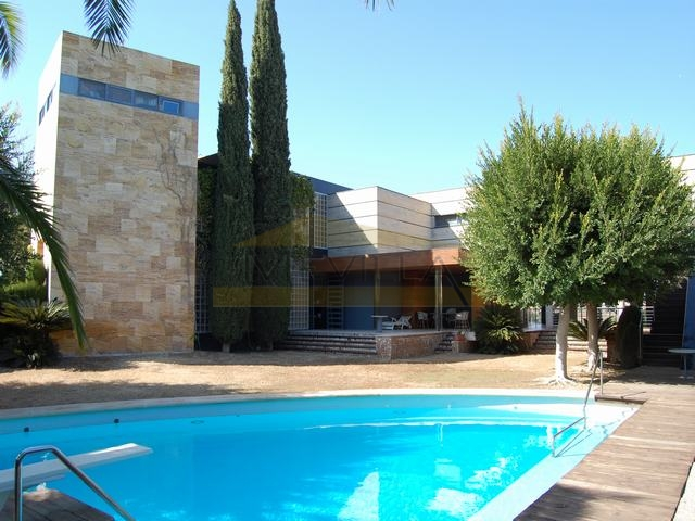 LUXURY VILLA IN CAMPOAMOR FOR SALE.