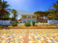 FRONTLINE VILLA IN PUNTA PRIMA BY TORREVIEJA FOR SALE - SPECTACULAR SEA-VIEWS