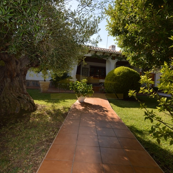 BEAUTIFUL VILLA IN CABO ROIG FOR SALE