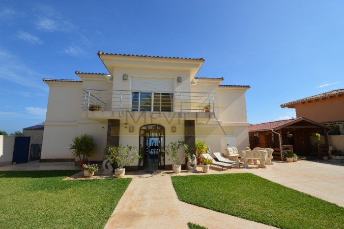 The front line villa in Cabo Roig